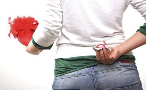 避孕套能防止艾滋病吗 安全套能防艾滋病吗 安全套预防艾滋病吗