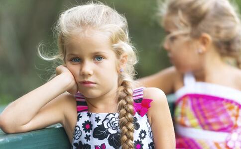 儿童焦虑症怎么治疗 儿童焦虑症的表现 儿童焦虑症的治疗方法