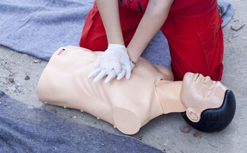 人群 属于 类人 心脏 分钟 急救 发生 患者 同时 进行 体重 风险