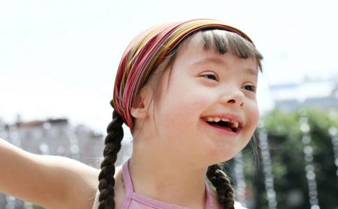 宝宝为什么会长蛀牙 宝宝长蛀牙的原因 长蛀牙的原因有哪些