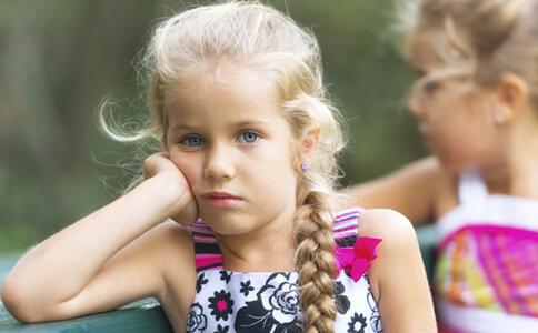 孩子自卑怎么办 孩子自卑胆小怎么办 孩子自卑的表现