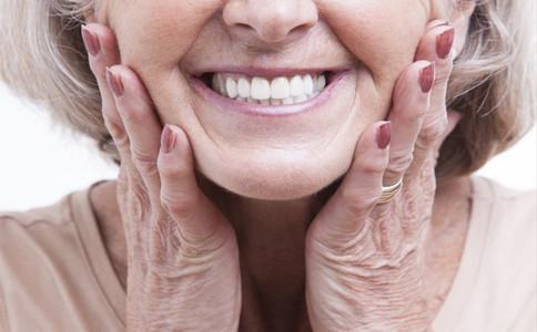 老人如何保护牙齿 刷牙的正确步骤