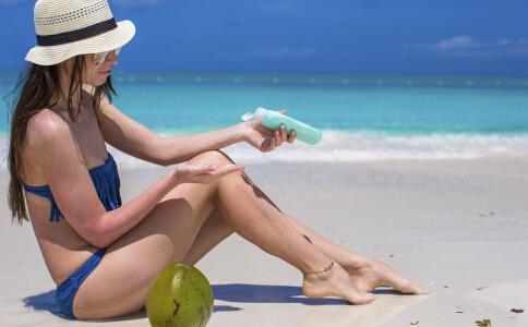 夏季皮肤晒伤要如何护理 皮肤晒伤的护理方法 皮肤晒伤了怎么办