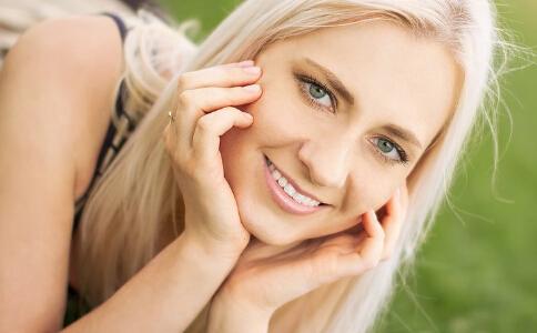 夏季预防皮肤晒伤的方法有哪些 夏季皮肤晒伤后怎么办 皮肤晒伤后的修复方法