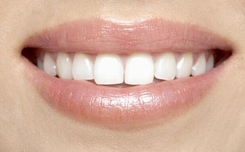 如何挑选适合自己的烤瓷牙 烤瓷牙怎么挑选 烤瓷牙能用多久