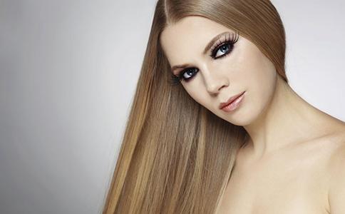 夏季脱发原因揭秘 夏季容易脱发的原因有哪些 夏季怎么样预防脱发