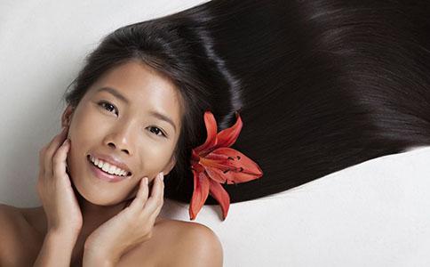 怎么样让头发柔顺 吃什么能让头发柔顺 怎么做可以让头发更柔顺