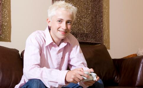白头发会越拔越多吗 白头发的根除方法 如何根除白头发