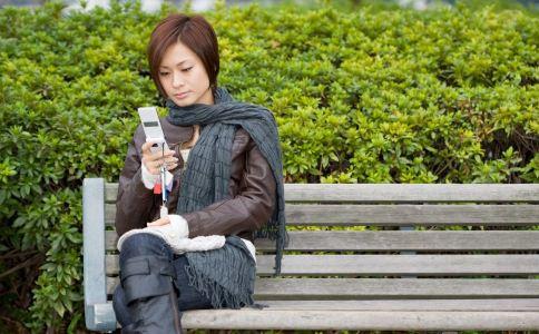 玩手机突发中风 玩手机中风 玩手机危害