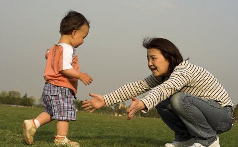 先天性髋关节脱位 髋关节脱位手法复位 小儿髋关节脱位症状