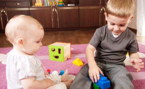 幼儿攻击行为的原因 幼儿攻击性行为分析 儿童攻击行为