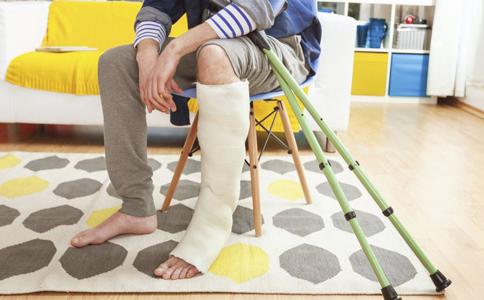 骨折该不该补钙 骨折病人吃什么好 骨折后怎样恢复的快