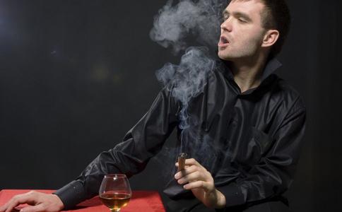 戒烟的好处有哪些 经常抽烟的危害 戒烟会顺便戒酒吗