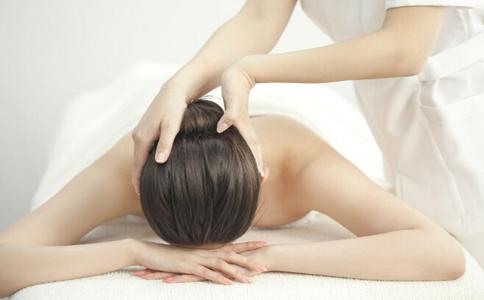白发按摩什么穴位 白发按摩哪里 治疗白发按摩哪里