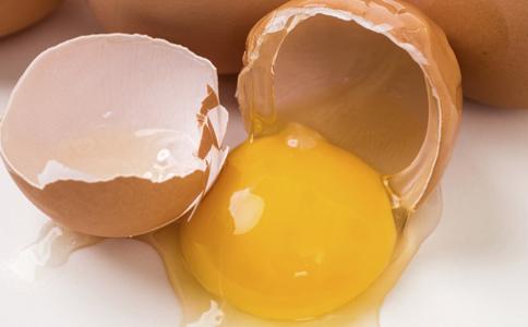 毛鸡蛋有营养吗 孕妇能多吃鸡蛋吗 鸡蛋不能跟什么一起吃