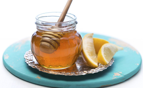 蜂王浆的功效 蜂王浆的作用与功效 蜂王浆有什么副作用