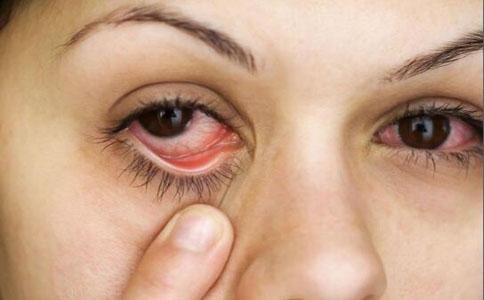 小孩子眼睛有红血丝_眼睛红血丝 _排行榜大全