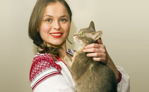 如何给猫咪洗澡 给猫咪洗澡的方法有哪些 怎么正确给猫咪洗澡