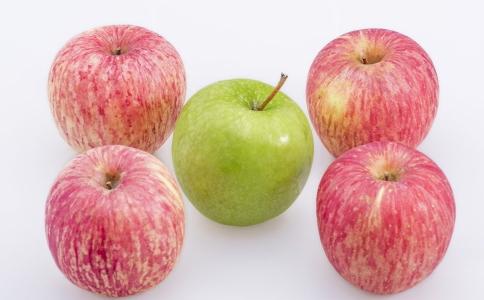 自制苹果银耳减肥汤的方法 如何自制减肥汤 苹果银耳瘦肉汤的做法