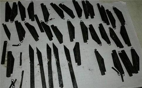男子吞40枚刀片 男子吞下40枚刀片 男子吞40枚的刀片