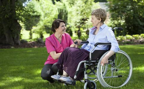 老人為什麼會雙腿無力老人雙腿無力的治療方法老人雙腿無力怎麼辦