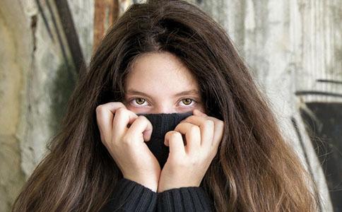 怎么样做可以减低祛眼袋手术的危险 减低祛眼袋手术危险的方法 怎么做可以减低祛眼袋手术风险