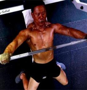 抗癌20年每天健身2小时 医生多次宣判死亡