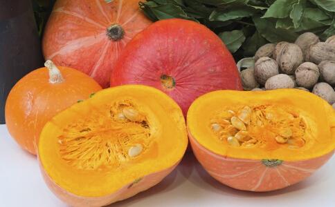 减肥汤的做法大全 如何自制番茄南瓜汤 番茄南瓜汤的做法