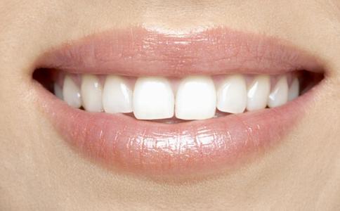 洗牙到底好不好 洗牙会伤害牙齿吗 洗牙的好处有哪些