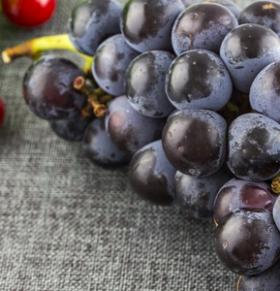 葡萄营养价值高 吃葡萄要不吐葡萄皮