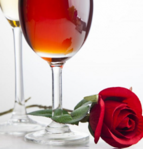"""研究发现:红酒可能会降低你的""""孕气"""""""