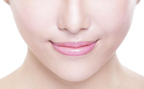 如何消除面部各种小细纹 脸上长皱纹怎么办 女性怎么除皱纹