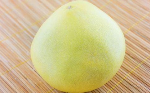 吃柚子有什么功效 用柚子跟学姐表白 吃柚子有哪些禁忌