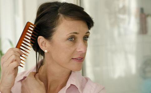秋季如何预防脱发 秋季怎么预防脱发 秋季预防脱发的方法