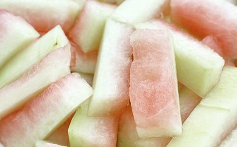 西瓜面膜有什么用 西瓜面膜怎么做 西瓜面膜的功效有哪些