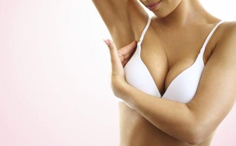 按摩豐胸的方法好嗎 按摩可以豐胸嗎 揉一揉胸部真的會變大嗎