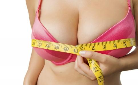 女人增大胸部的方法 女性要如何擠出事業線 增大胸部的秘籍有哪些