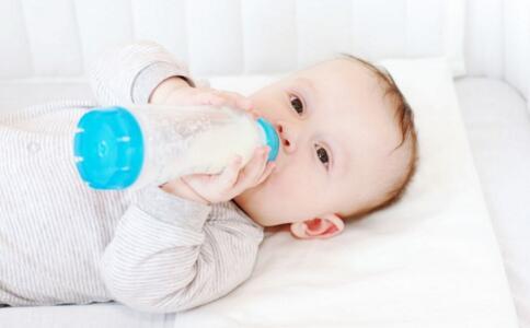 宝宝断奶注意事项 宝宝断奶腹泻怎么办 宝宝几个月断奶好