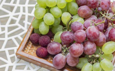 秋天吃什么水果好 吃葡萄有什么好处 如何挑选葡萄