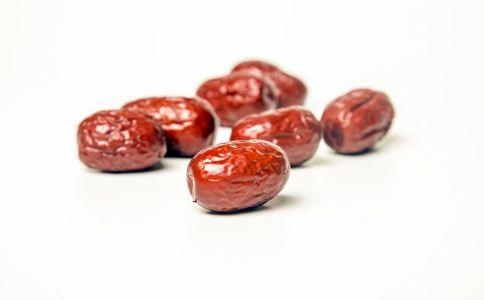 吃红枣有什么好处 吃红枣有什么禁忌 红枣的功效有哪些