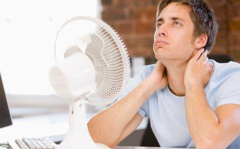 精神紧张易出汗是怎么回事 为什么精神紧张易出汗 精神紧张怎么放松