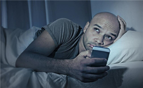 Using Your Phone Before Bed