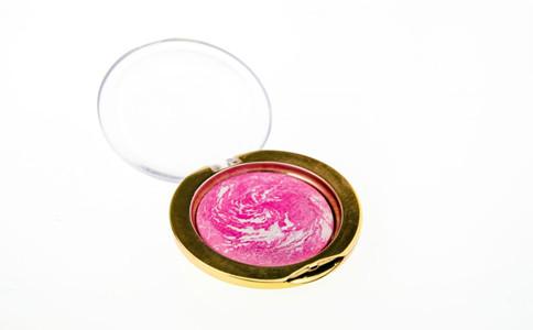 遮瑕膏怎么用 遮瑕膏的正确使用方法 遮瑕膏的使用技巧