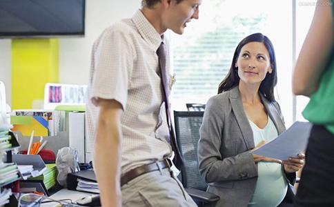 会让人失去工作的举动 怎么样给跟同事相处 怎么样的举动会让人失去工作