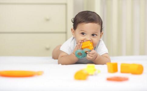 宝宝不爱喝水怎么办 怎么让宝宝喜欢喝水 婴儿不喜欢喝水怎么办