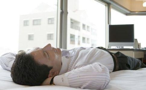 有哪些错误睡姿 错误睡姿的危害有哪些 正确睡姿是怎样的