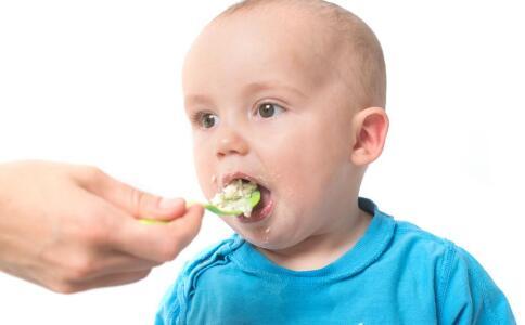 宝宝不爱吃饭总挑食 4招来搞定