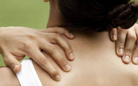 怎样预防颈椎病 颈椎病的症状有哪些 颈椎病该怎么治疗