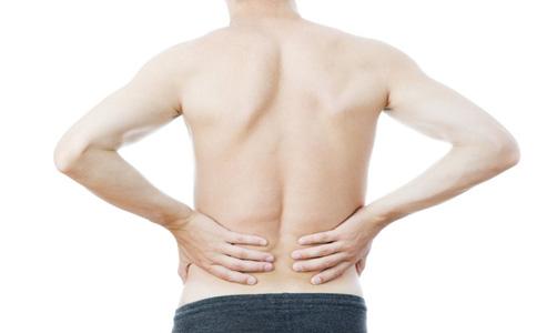 腰椎间盘突出的症状有哪些 腰背疼痛是腰椎间盘突出吗 腰椎间盘突出是什么原因