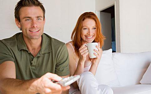夫妻怎样和睦相处 夫妻如何和睦相处 夫妻和睦相处之道